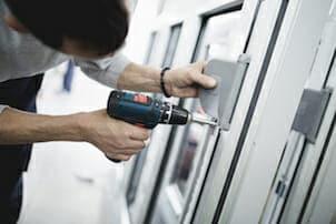 Locksmith fix a UPVC door in London